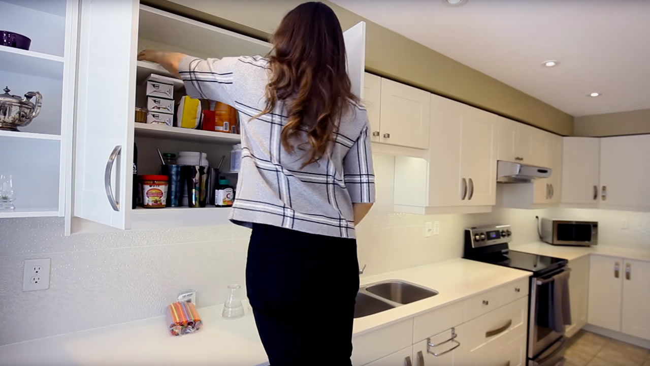 Domestic cleaning Jobs:How to Clean and Declutter The Kitchen Cabinets